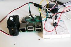 巡回与两台辅助电动机被连接到单板 库存照片