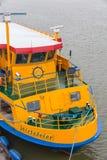 巡航划线员在港口用于往返的库克斯港 免版税库存图片
