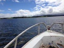 巡航在我们的小船 免版税库存照片