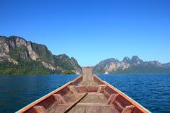 巡航在河, Khaosok国家公园 免版税库存图片