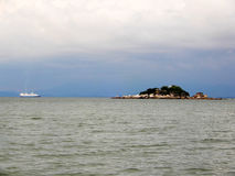 巡航在海 免版税库存图片