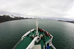 巡航对欺骗岛,南极洲的游轮 库存照片