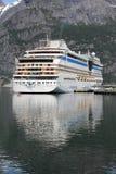巡航挪威船 免版税库存图片