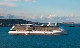 巡航海岛划线员豪华假期 免版税图库摄影