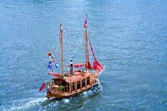 巡航的游艇 库存照片