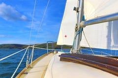 巡航的风船弓 免版税库存图片