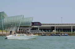 巡航终端短程往返火车,威尼斯 免版税库存图片