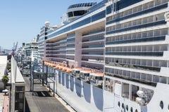 巡航终端在巴塞罗那 免版税库存照片