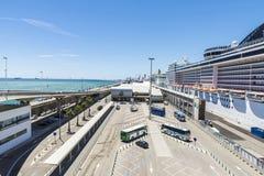 巡航终端在巴塞罗那 库存照片