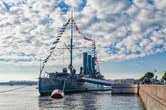 巡洋舰极光在它原始的地方返回了 库存图片