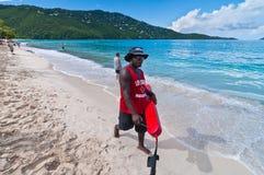 巡逻Magens海湾海滩的救生员 免版税库存图片