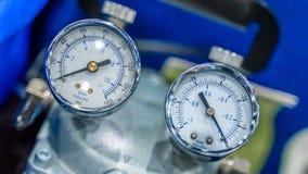 工业压力表设备在实验室 免版税库存照片