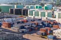 工业口岸和容器围场 库存图片