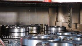 工业和机械概念 负担生产和聚集的一个tecnological部分 在负担工厂的传动机 影视素材