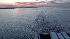 工业地平线的鸟瞰图接近船身-英国的 股票录像