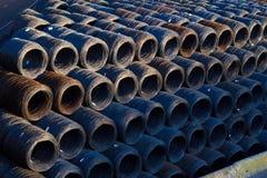 工业导线卷股票-卷缆绳机械光纤的技术 库存照片
