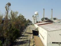 工业工厂郊区建筑学在墨西哥城Ecatepec 免版税库存照片