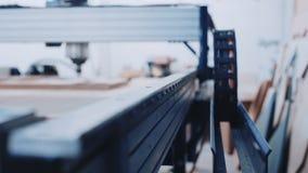 工业木头裁减机器在工作 影视素材