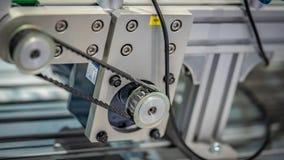 工业机器人发动机零件机器 免版税库存图片