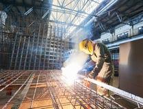 工业电弧焊接工作 免版税图库摄影