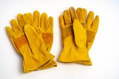 工业的Workmans皮手套,消防类型,隔绝在白色背景 免版税库存照片