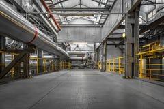 工业管子在一个热电厂 库存照片
