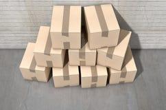 工业纸板箱的堆 库存照片