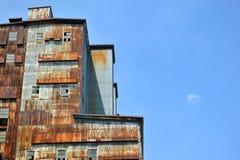 工业被放弃的大厦 免版税库存图片