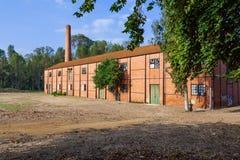 从工业革命的被放弃的19世纪羊毛纺织品工厂 库存图片