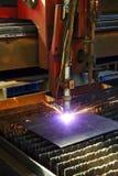 工业cnc等离子切口金属片 特写镜头 免版税图库摄影