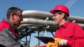 工业Workes和管道 影视素材