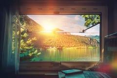 工作书桌有风景看法 免版税库存照片