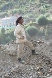 工作在修路的印地安人民 免版税库存图片
