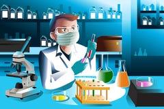 工作在实验室的科学家 免版税库存图片