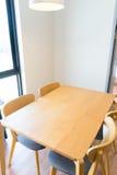 工作有空间的办公桌 免版税库存图片