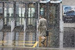 工作的去的雪风暴 免版税库存图片