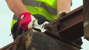 工作者在铁路的定象坚果 影视素材