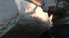 工作者应用钓鱼的木小船油灰补白 股票录像