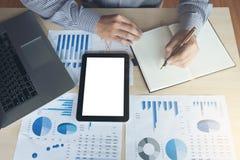 工作金融投资的商人或会计,写 免版税库存图片