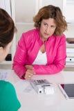 工作面试或业务会议在两妇女以下 免版税图库摄影