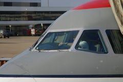 工作飞行的飞行员前 免版税库存图片