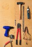 工具垂直墙壁 图库摄影