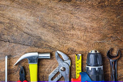 工具顶视图,板钳,锤子,螺丝刀,钳子,电 免版税库存图片
