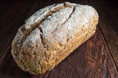 工匠面包大面包  免版税图库摄影