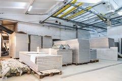 工厂厂房内部建设中 免版税图库摄影