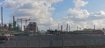 工厂厂房在一个工业区 免版税库存图片