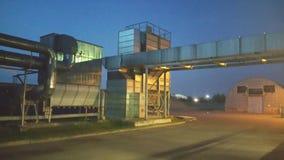 工厂在夜 免版税库存照片