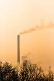 工厂次幂烟窗上升暖流 免版税库存照片