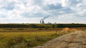 工厂烟囱和管子喘气入空气 库存图片
