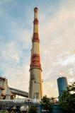 工厂烟囱导致电 免版税库存照片